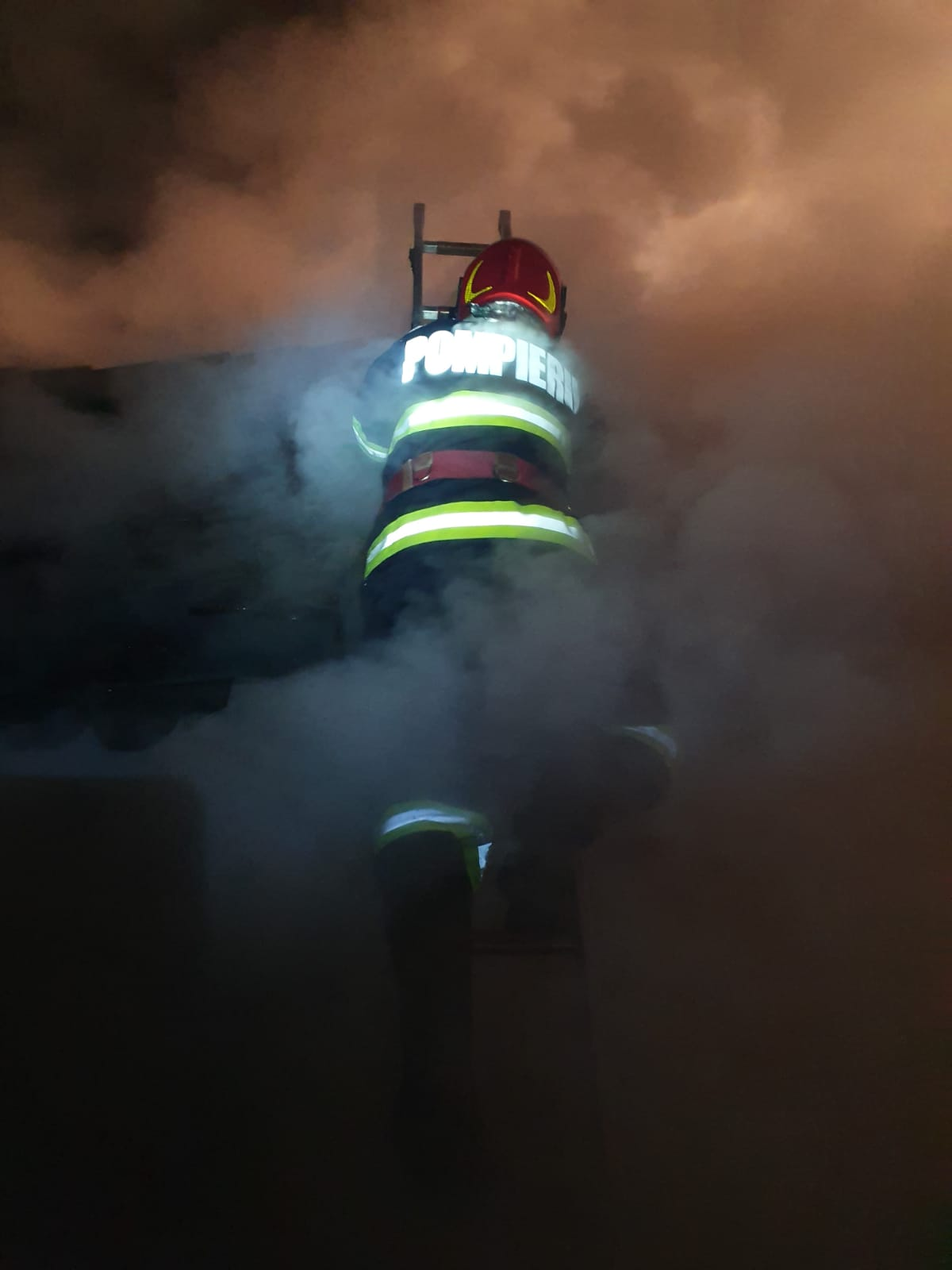 Incendiu Berzovia (3)